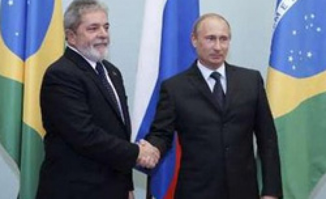 Brazil's Lula signals trade with Russia with own currencies