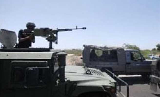 Yemen, Houthis clashes kill six in north, strains truce