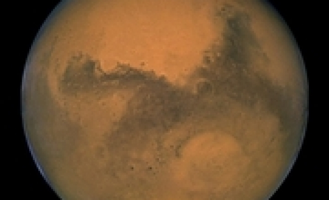 Huge Dust Storm Breaks Out on Mars