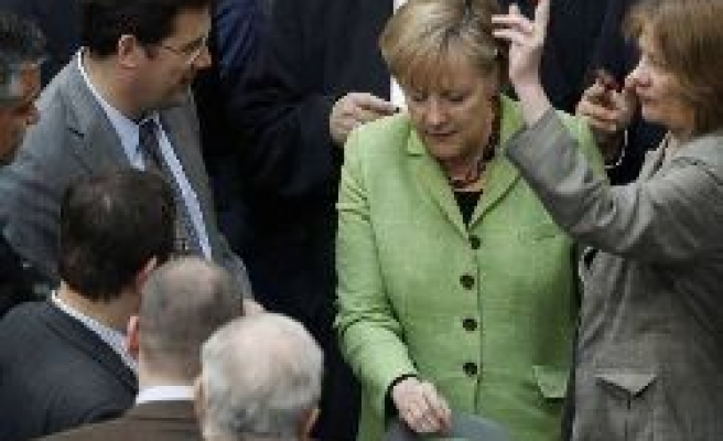 German parliament approves euro aid package