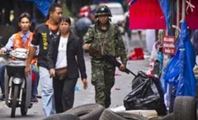 Thai PM calls for 'reconciliation' with red shirts