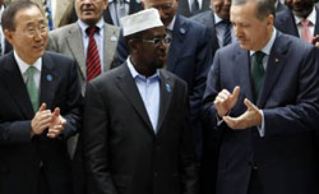 Turkey's PM offers Somalia training police, soliders