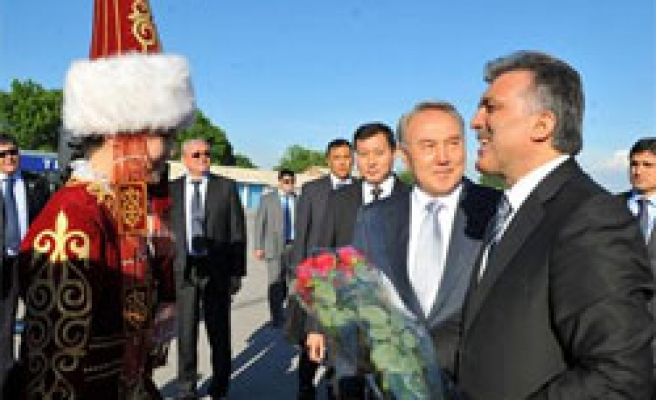 Turkish president praises Kazakhstan rising power in C.Asia