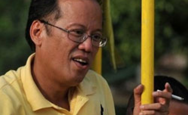 Philippine president-elect refuses to quit smoking