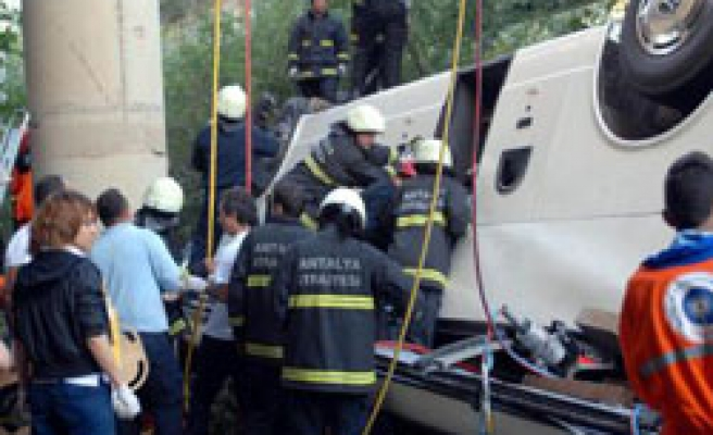 Russian tourist injured in Turkey bus crash dies