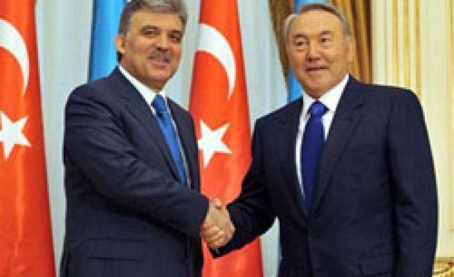 Gul calls on Turkish firms to invest in Kazakhstan