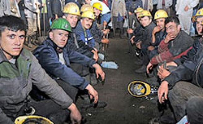 Turkish miners join general protest by unions