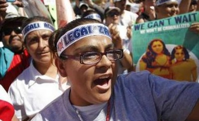 Huge protest held against US 'racist' immigrant law in Arizona