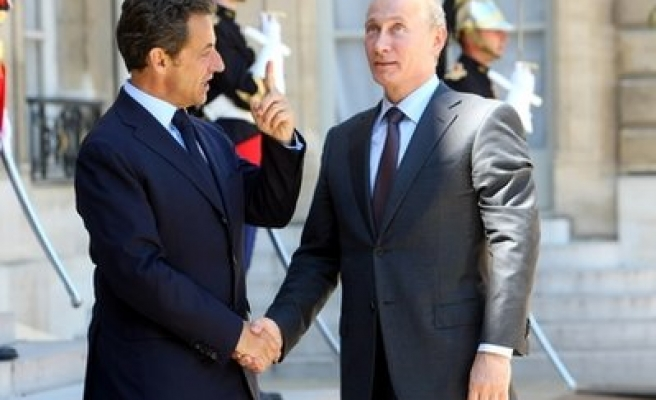 Russia, France want to speed up talks on warships sale