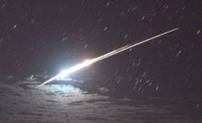 Japanese probe returns with unique asteroid dust