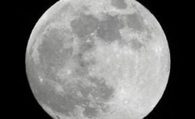 There's more water on the moon than anyone thought