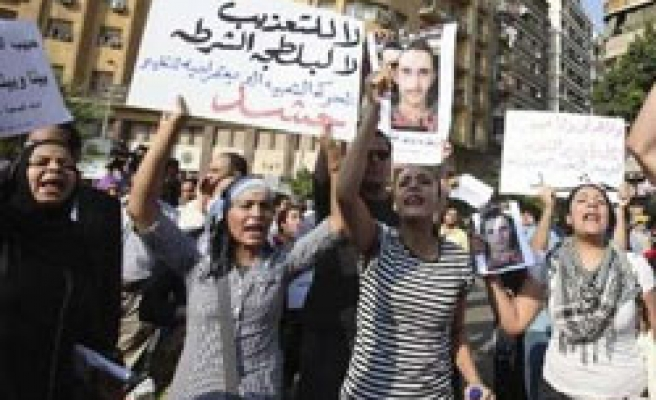 Egypt orders new autopsy after activist death