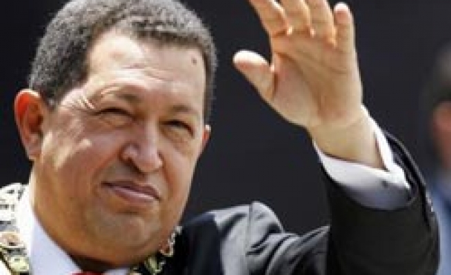 Chavez says to cut US oil if Colombia attacks