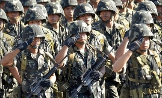 Philippine attacks Abu Sayyaf group with US military support
