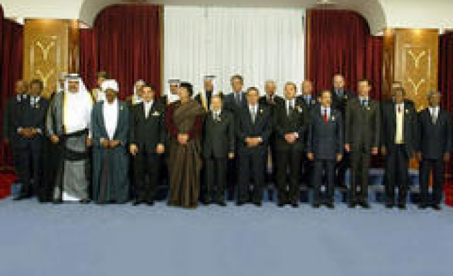 Arab world's first parliament meets in Cairo