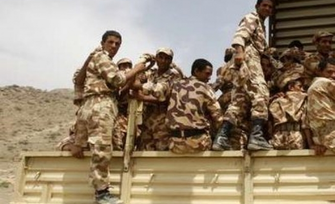 Yemeni government frees 400 Houthis in peace deal