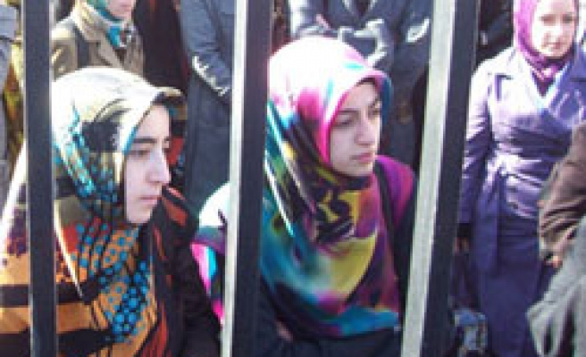 YOK reform to offer amnesty to headscarf ban victims