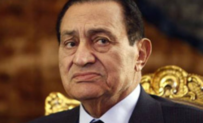 Egypt's Mubarak sends in army, resists demands to quit