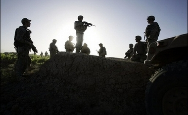 Attack on Pakistan military convoy, 5 soldiers killed