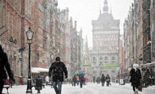 Poland cold weather death toll climbs to 52
