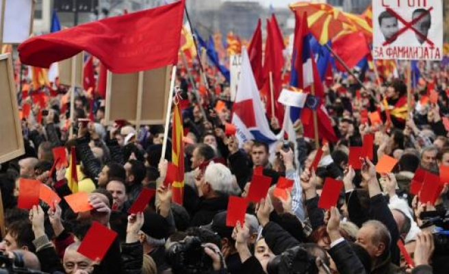 Macedonian opposition marches for early elections