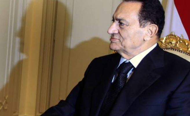 Mubarak defends votes, Brotherhood gathers fraud evidence