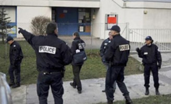 Children hostages freed in French school