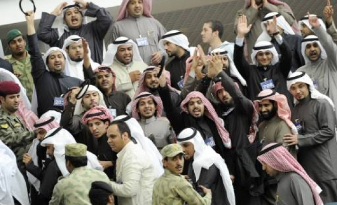 Kuwait's PM agrees on parliament questioning
