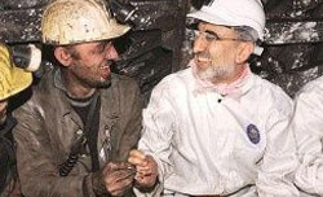 Turkish ministers, CHP leader greet new year with miners