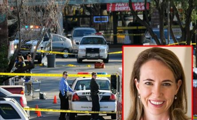 US politician in critical condition, 6 killed - UPDATED