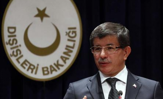Turkey's FM in Baghdad to meet Iraqi leaders