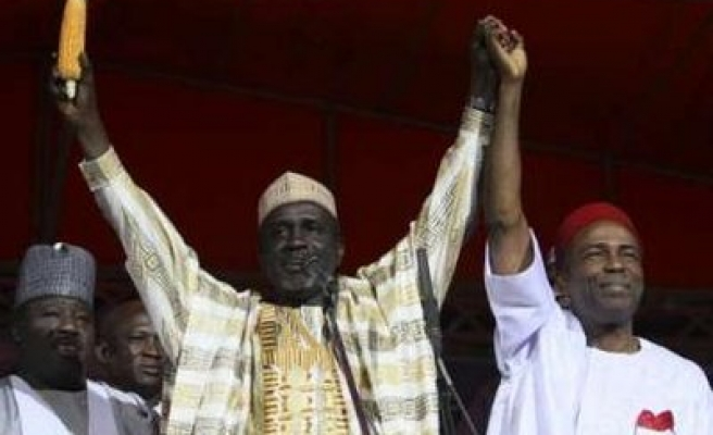 Nigeria's oposition picks governor for April poll