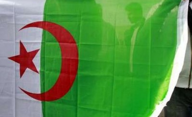 Man tries to set himself on fire at Algeria protest