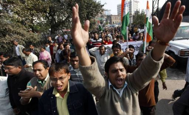Thousands in Indian city protest food inflation