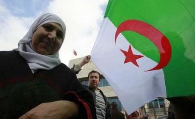 Algeria buys at least 600,000 tonnes wheat amid fear