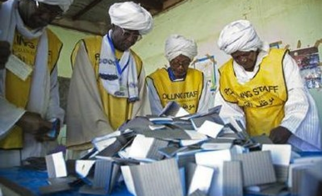 Southerners in most states back split from Sudan: poll