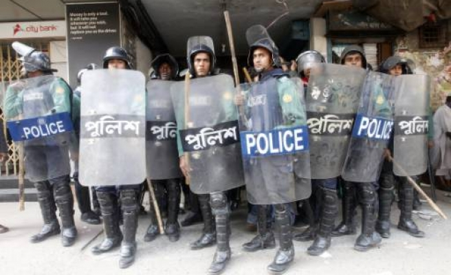One dead, 100 hurt in Bangladesh wage protest