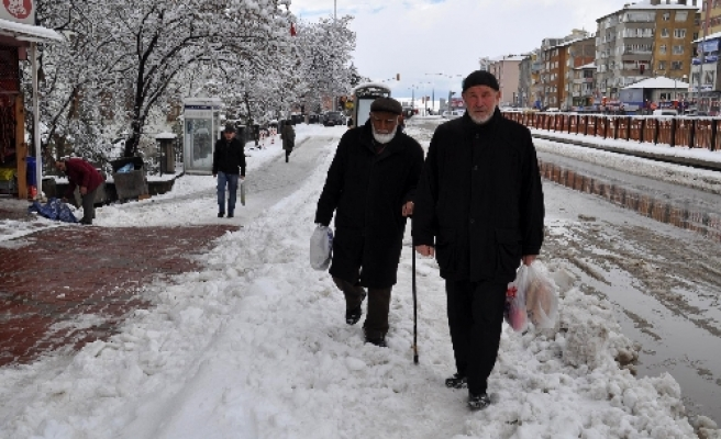 Snow blankets Northwestern Turkey, more for this week
