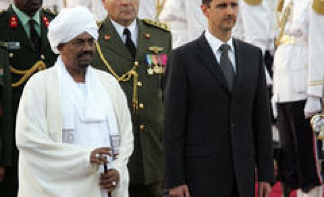 Many Stay Away as Arab Summit Opens