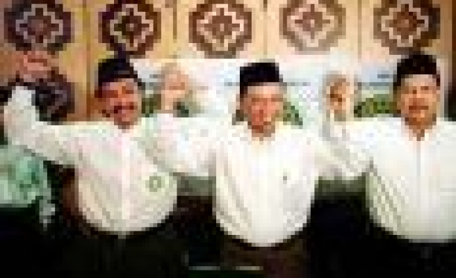Indonesia Sets August For Elections In Tsunami-Ravaged Aceh