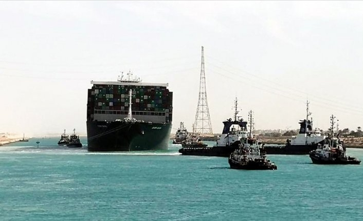 Egypt: 113 ships cross Suez Canal since Monday